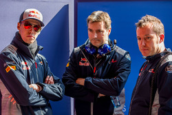 Гонщик Scuderia Toro Rosso Даниил Квят и технический директор команды Джеймс Ки