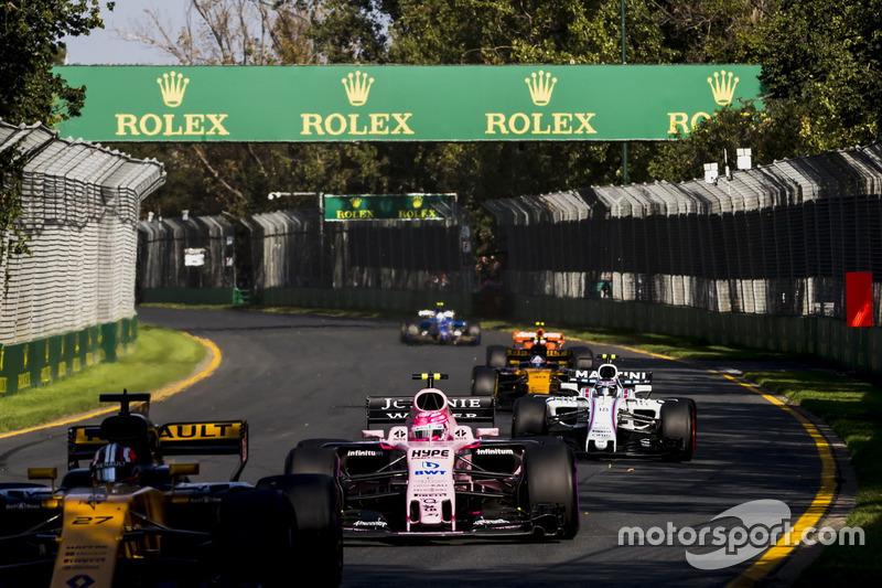 Nico Hülkenberg, Renault Sport F1 Team RS17; Esteban Ocon, Force India VJM10; Lance Stroll, Williams