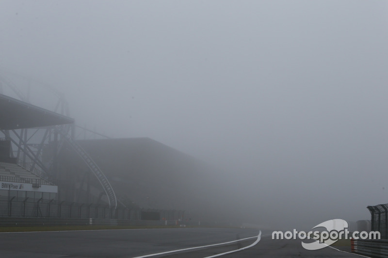 Fog at the Ring