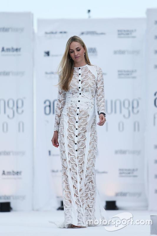 Carmen Jorda, Renault Sport F1 Team Development Driver all'Amber Lounge Fashion Show
