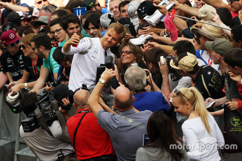 Nico Rosberg, Mercedes AMG F1 con i tifosi