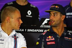 (L to R): Valtteri Bottas, Williams and Daniel Ricciardo, Red Bull Racing in the FIA Press Conferenc
