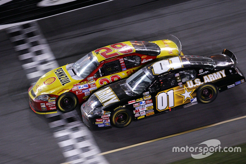 5. 2007 Daytona 500 - Photo finish and 'The Big One'