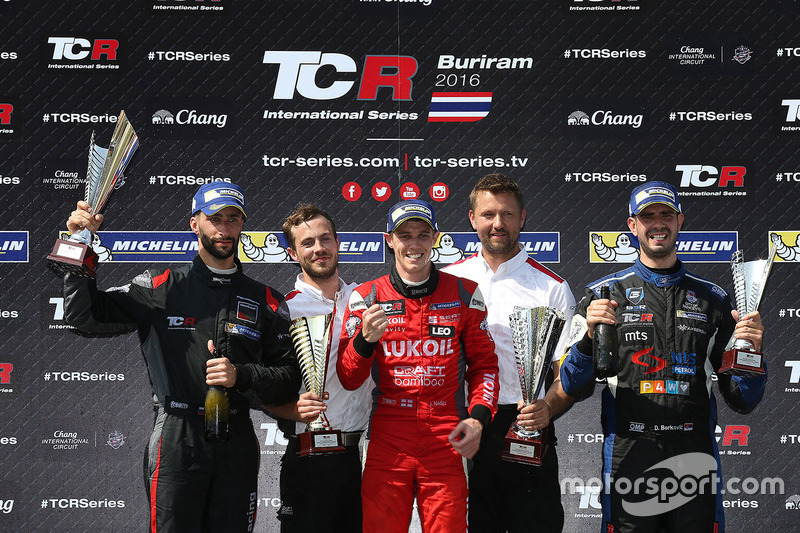 Podyum: 1. James Nash, Team Craft-Bamboo, SEAT León TCR, 2. Mikhail Grachev, West Coast Racing, Honda Civic TCR, 3. Dusan Borkovic, B3 Racing Team Hungary, SEAT León TCR