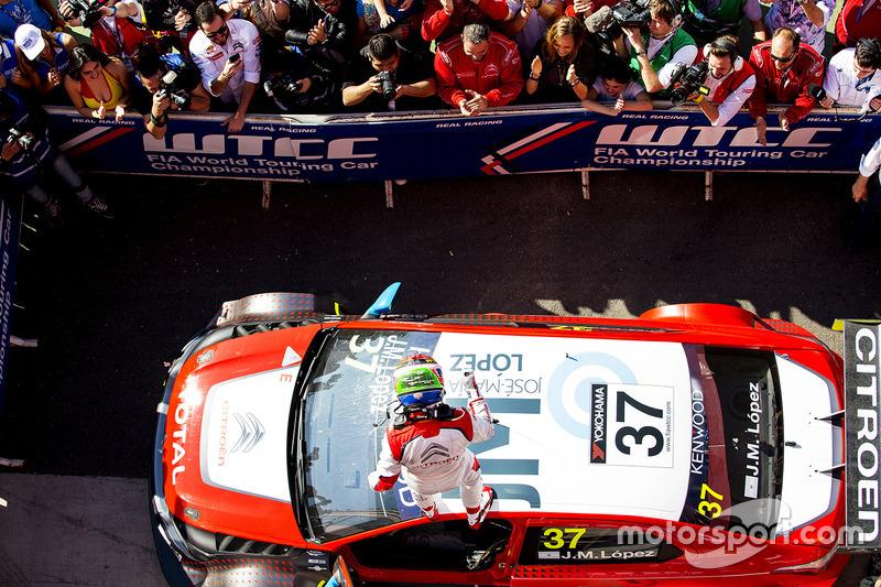 Winner José María López, Citroën World Touring Car Team, Citroën C-Elysée WTCC