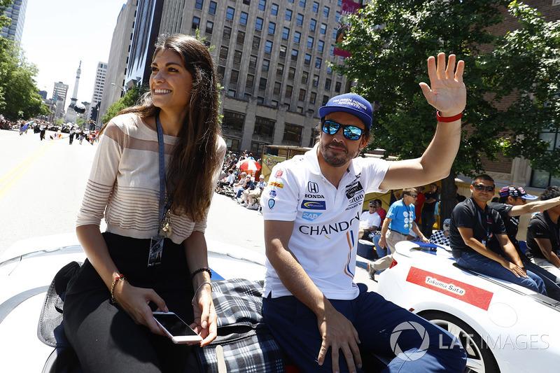 Фернандо Алонсо, Andretti Autosport Honda, зі своєю подругою, Ліндою Морселлі