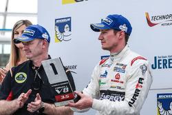 Podium: first rookie Nelson Mason, Teo Martin Motorsport