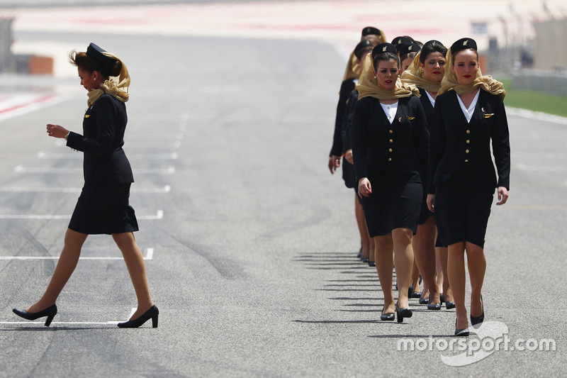 Grid Girls line up on the grid for the first time in Bahrain
