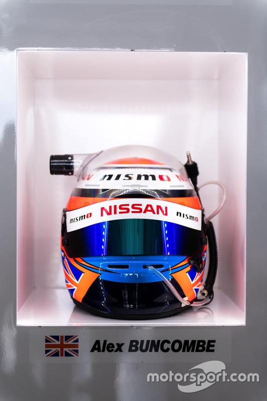#23 Nissan Motorsport, Nissan GT-R Nismo GT3: Alex Buncombe helmet