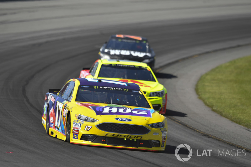 Ricky Stenhouse Jr., Roush Fenway Racing Ford, Dale Earnhardt Jr., Hendrick Motorsports Chevrolet, Martin Truex Jr., Furniture Row Racing Toyota