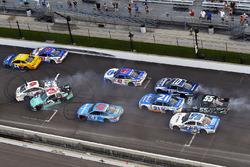 Crash: Austin Dillon, Richard Childress Racing Chevrolet, Trevor Bayne, Roush Fenway Racing Ford