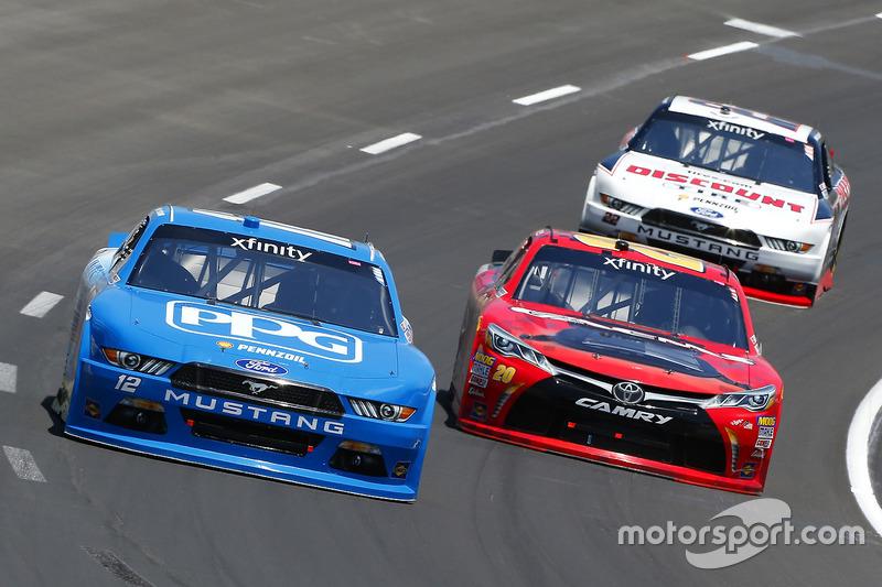 Joey Logano, Team Penske, Ford; Erik Jones, Joe Gibbs Racing, Toyota
