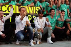 Переможець Ніко Росберг, Mercedes AMG F1, Льюіс Хемілтон, Mercedes AMG F1