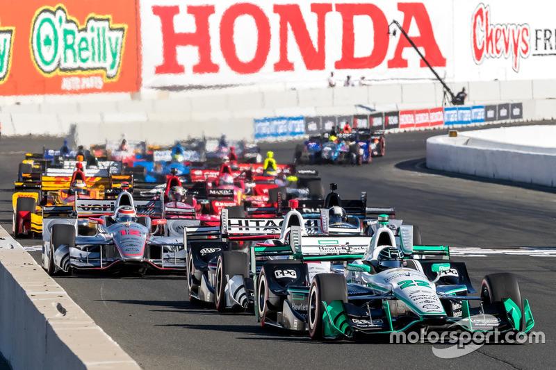 8. Arrancada: Simon Pagenaud, Team Penske Chevrolet líder