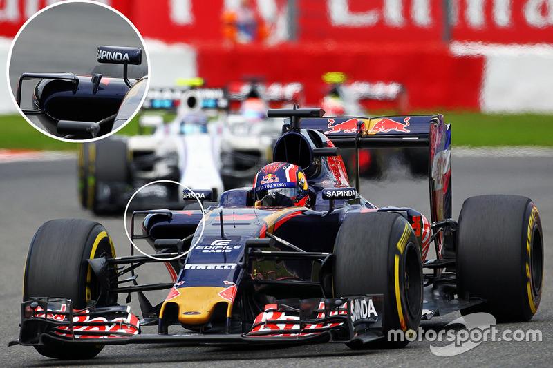 Carlos Sainz Jr., Scuderia Toro Rosso STR11, sidepods