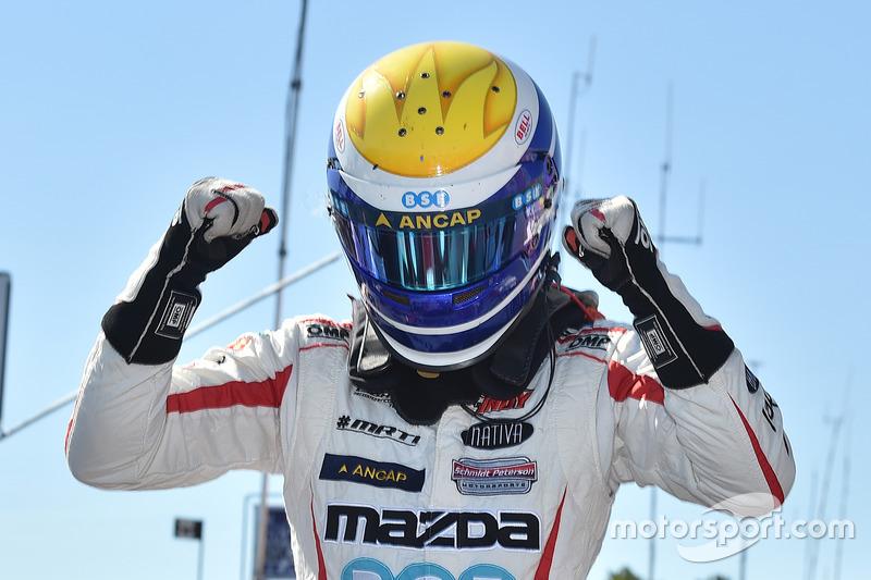 Poles: Santiago Urrutia, Schmidt Peterson Motorsports