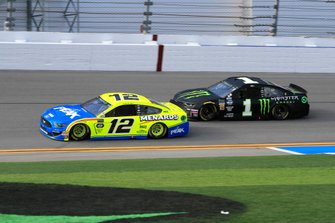Ryan Blaney, Team Penske, Ford Mustang Menards/Peak Kurt Busch, Chip Ganassi Racing, Chevrolet Camaro Monster Energy