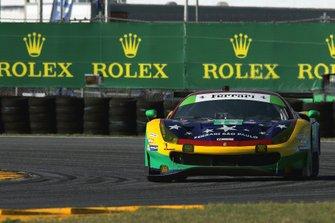 #13 Via Italia Racing Ferrari 488 GT3: Chico Longo, Victor Franzoni, Marcos Gomes, Andrea Bertolini
