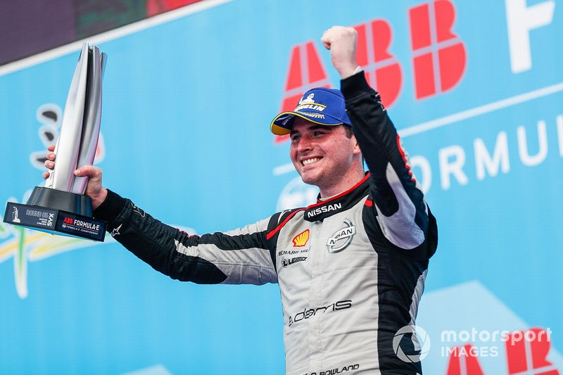 Oliver Rowland, Nissan e.dams, celebrates on the podium