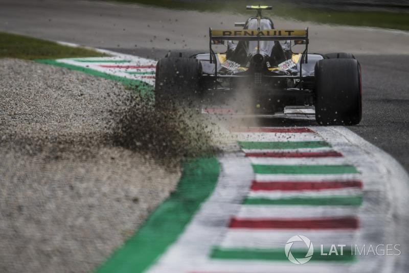 7: Carlos Sainz Jr., Renault Sport F1 Team RS 18, 1'21.041