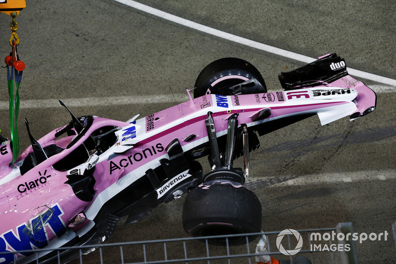 El coche accidentado de Esteban Ocon, Racing Point Force India VJM11
