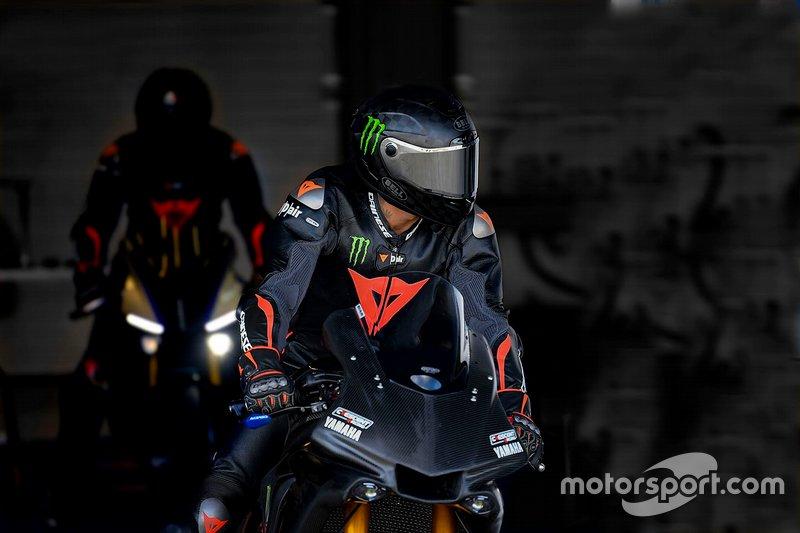 Lewis Hamilton, Yamaha YZF-R1