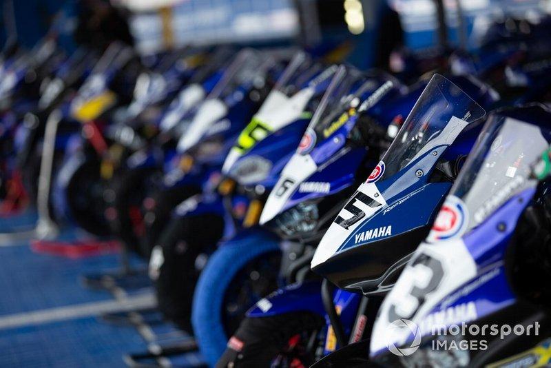 Yamaha R3 bLU cRU Challenge 2019