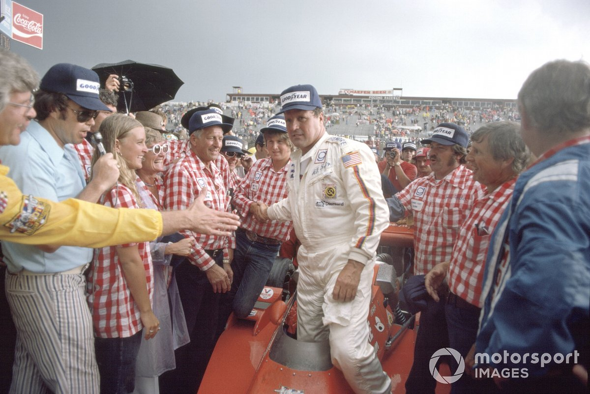A.J.Foyt, Coyote-Ford/Foyt, 1st position in victory lane
