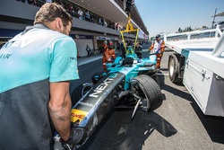 L'auto di Nelson Piquet Jr., NEXTEV TCR Formula E Team dopo l'incidente
