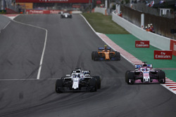 Lance Stroll, Williams FW41, Sergio Perez, Force India VJM11, Stoffel Vandoorne, McLaren MCL33