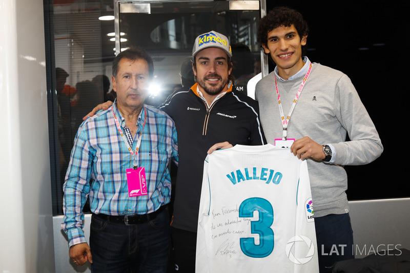 Гран При Испании: футболист «Реал Мадрид» Хесус Вальехо (справа)
