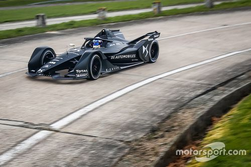 Roll-out: Neues Formel-E-Auto
