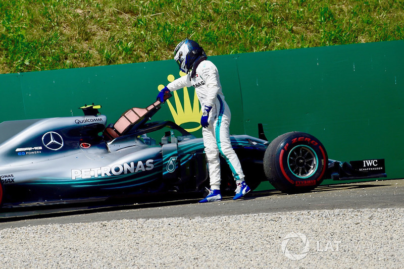 Valtteri Bottas, Mercedes-AMG F1 W09 retires from the race