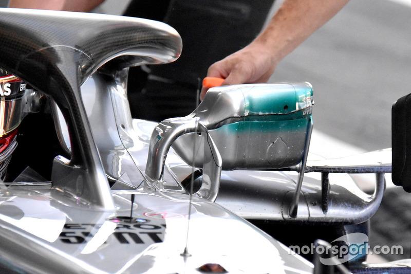 Lewis Hamilton, Mercedes AMG F1 W09, dettaglio dello specchietto