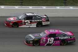 Matt Tifft, Joe Gibbs Racing Toyota y Austin Dillon, Richard Childress Racing Chevrolet