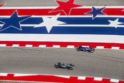 Lewis Hamilton, Mercedes AMG F1 W08, passes Pascal Wehrlein, Sauber C36