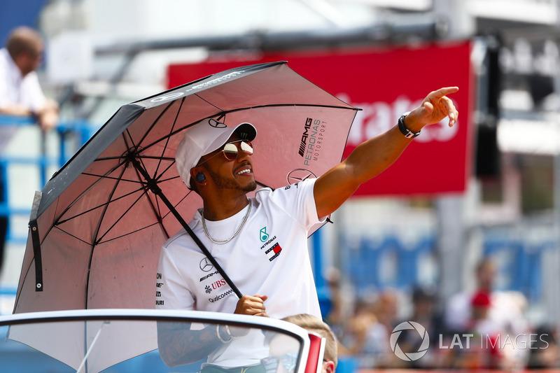 Lewis Hamilton, Mercedes AMG F1, en el drivers parade