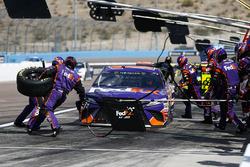 Denny Hamlin, Joe Gibbs Racing, Toyota Camry FedEx Freight pit stop
