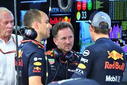 Gianpiero Lambiase, ingegnere di pista Red Bull Racing, Christian Horner, Team Principal Red Bull Racing e Max Verstappen, Red Bull Racing