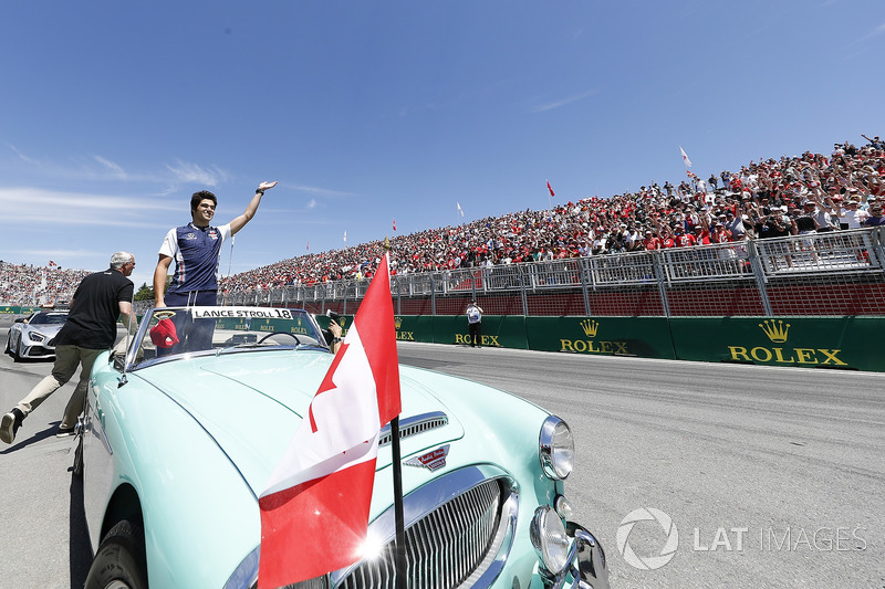 Lance Stroll, Williams Racing, in the drivers parade
