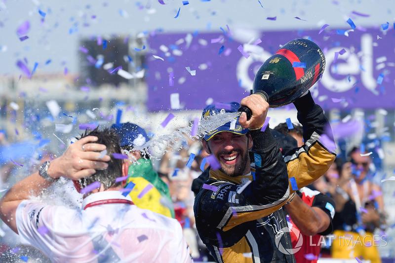 Jean-Eric Vergne, Techeetah, merayakan gelar musim keempat