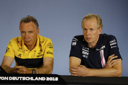 Bob Bell, Chief Technical Officer, Renault Sport F1 Team, and Andrew Green, Technical Director, Force India, in the Press Conference