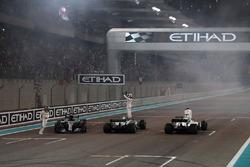 Lewis Hamilton, Mercedes-Benz F1 W08 . Valtteri Bottas, Mercedes-Benz F1 W08  and Felipe Massa, Williams FW40 celebrate on track at the end of the race