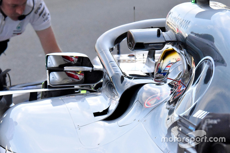 Bagian spion Mercedes AMG F1 W09 milik Lewis Hamilton