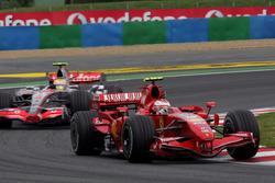 Кими Райкконен, Ferrari F2007, Льюис Хэмилтон, McLaren MP4/22