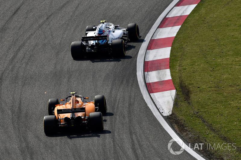 Sergey Sirotkin, Williams FW41 e Stoffel Vandoorne, McLaren MCL33