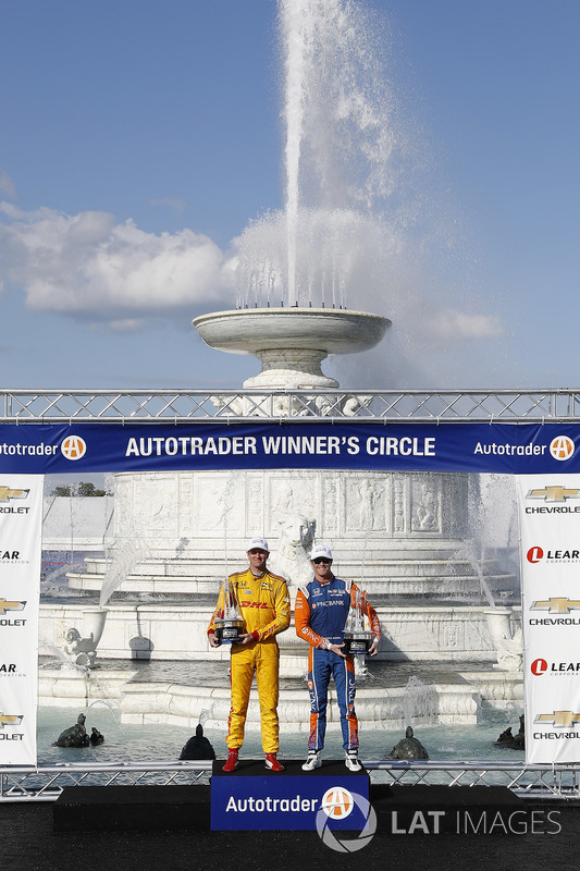 Winners of Dual 1 and 2 Ryan Hunter-Reay, Andretti Autosport Honda, Scott Dixon, Chip Ganassi Racing Honda, podium
