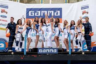 De dames en heren van Gamma Racing Day