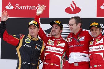 Podium: second place Kimi Raikkonen, Lotus F1, Race winner Fernando Alonso, Ferrari, Stefano Domenicali, Team Principal, Ferrari, third place Felipe Massa, Ferrari