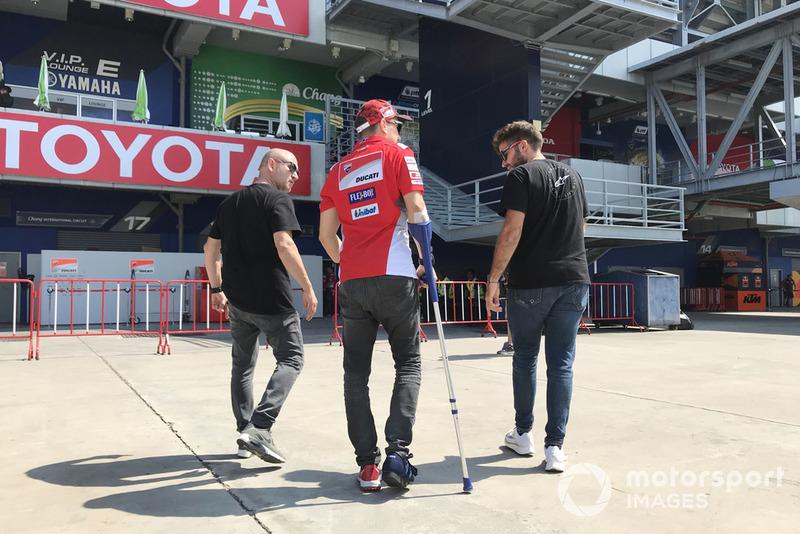 Jorge Lorenzo, Ducati Team lesionado tras la caída